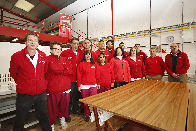 Tintorería lavandería Everest Grupo Limpieza de alfombras rápida equipo y profesionalidad